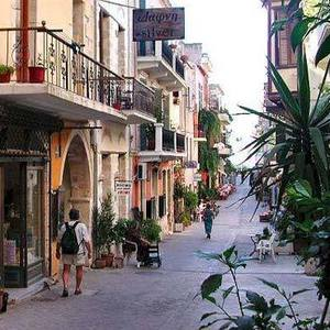 Welcome to Chania! What's for Dinner?